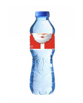 Минерална вода с коледен етикет