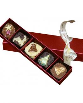 Коледни ръчноизработени шоколадови бонбони