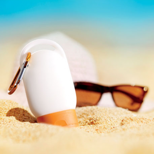 Летен слънцезащитен крем с цветен карабинер